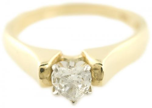 Heart Cut Diamond Solitaire in Yellow Gold