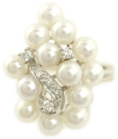 Vintage Cluster Pearl Ring with Diamond Accents
