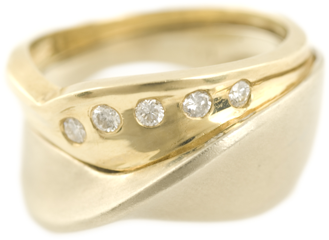 Diamond Fashion Ring with Twisted Band