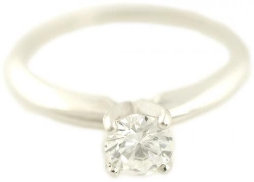 Round Brilliant Cut Solitaire Engagement Ring in Platinum