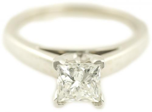 Leo Princess Cut Diamond Cathedral Solitare Engagement Ring