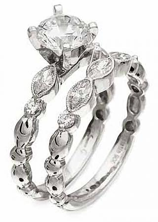 Simon G : Feminine Marquise Engagement Ring
