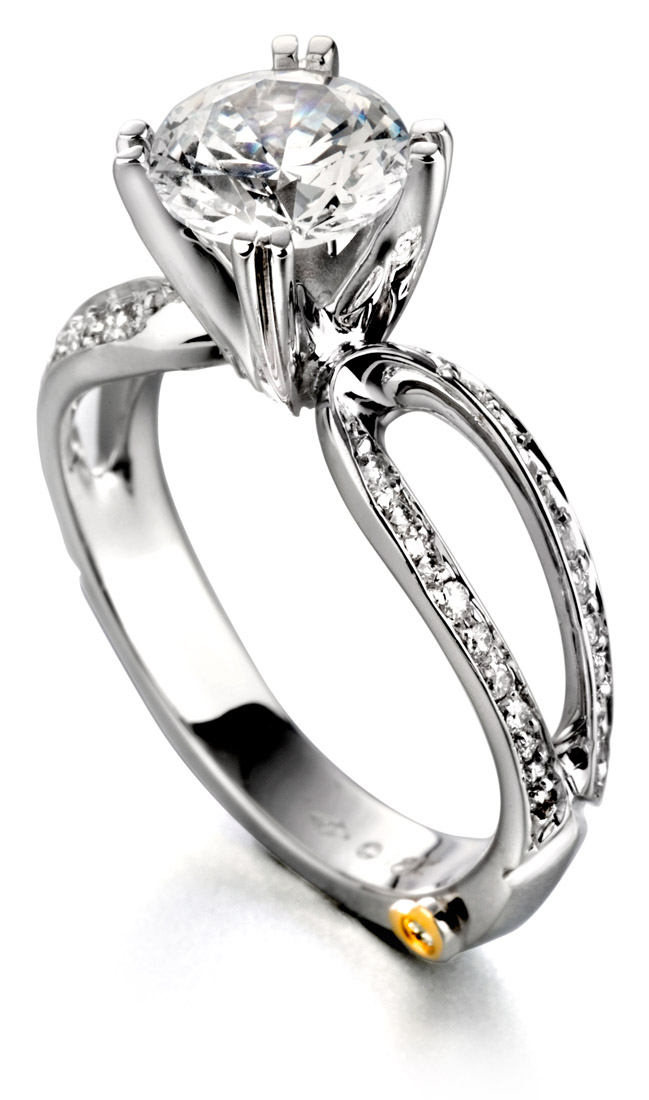Mark Schneider Amore classic engagement ring side view