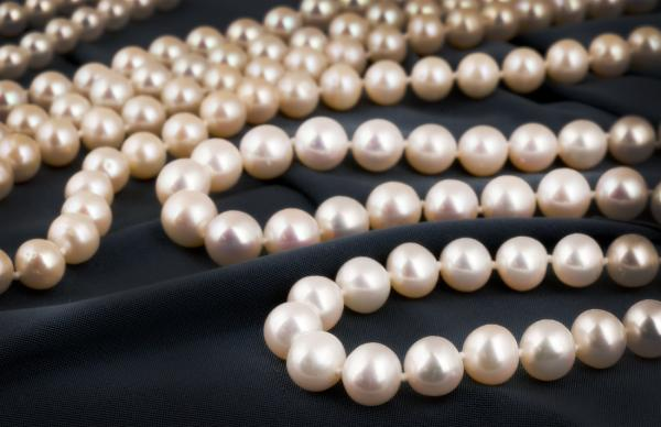 Pearls make a wonderful Mothers Day gift