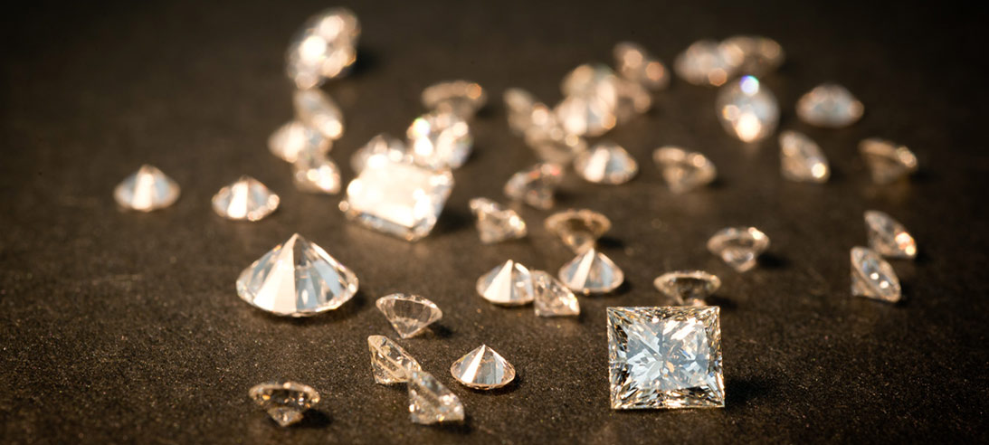 Princess cut and round loose diamonds are on sale now at Arden Jewelers