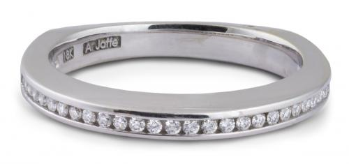 A. Jaffe : Metropolitan Diamond Channel Wedding Band