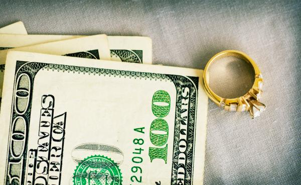 When a gemologist buyer may pay less for your jewelry