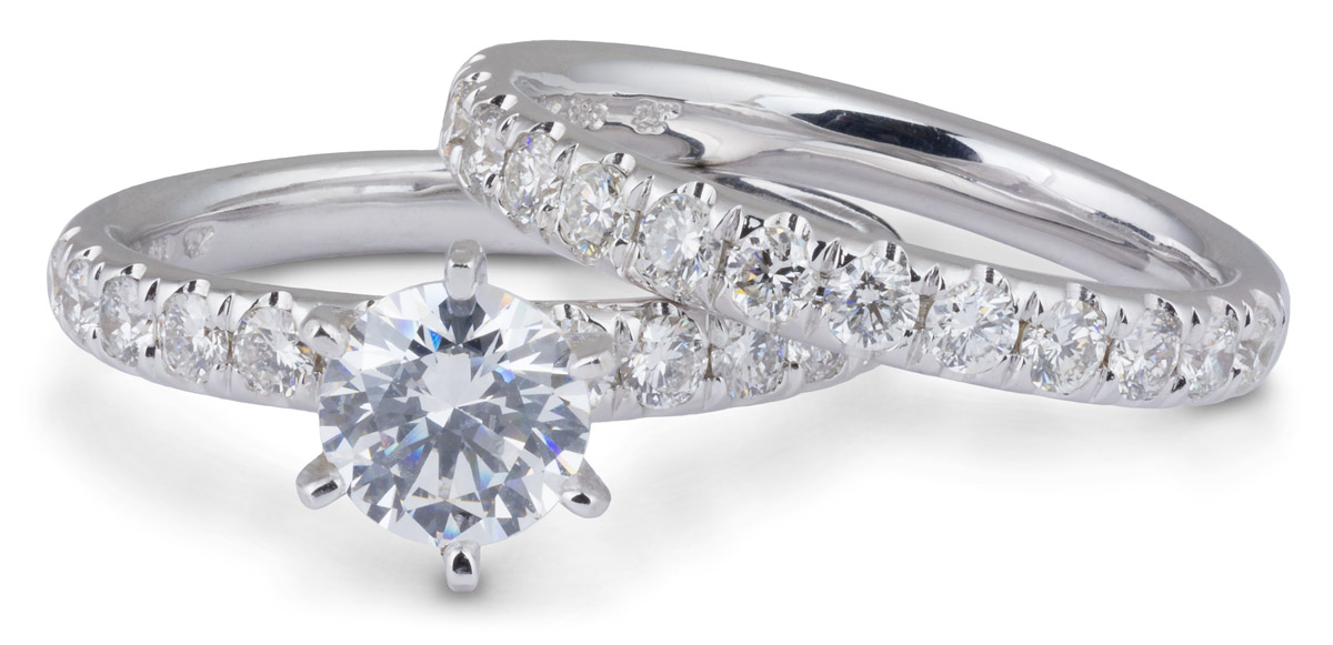 Wedding Set : Tall Setting Engagement Ring with Diamond Band