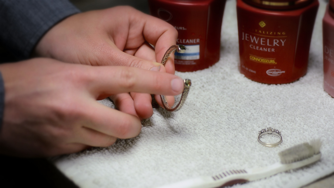 How To Clean Jewelry At Home : Arden Jewelers
