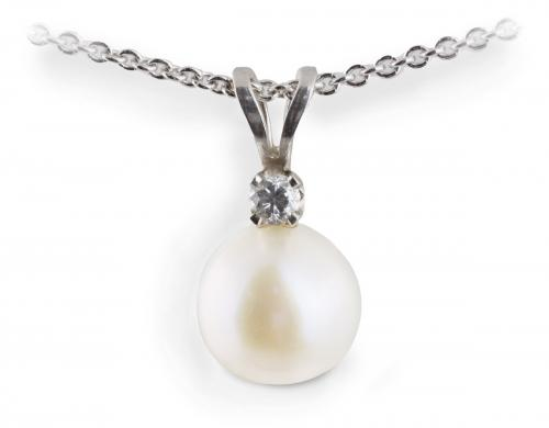 White Pearl Pendant with Diamond Accent