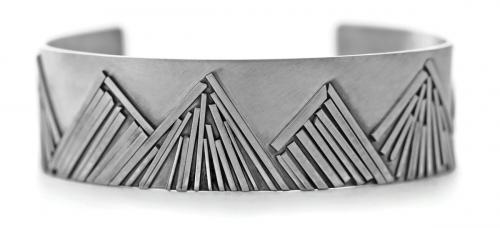 Jen Lesea : Mountain Range Cuff Bracelet