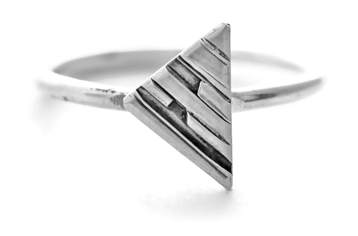 Jen Lesea : Geometric Triangle Ring