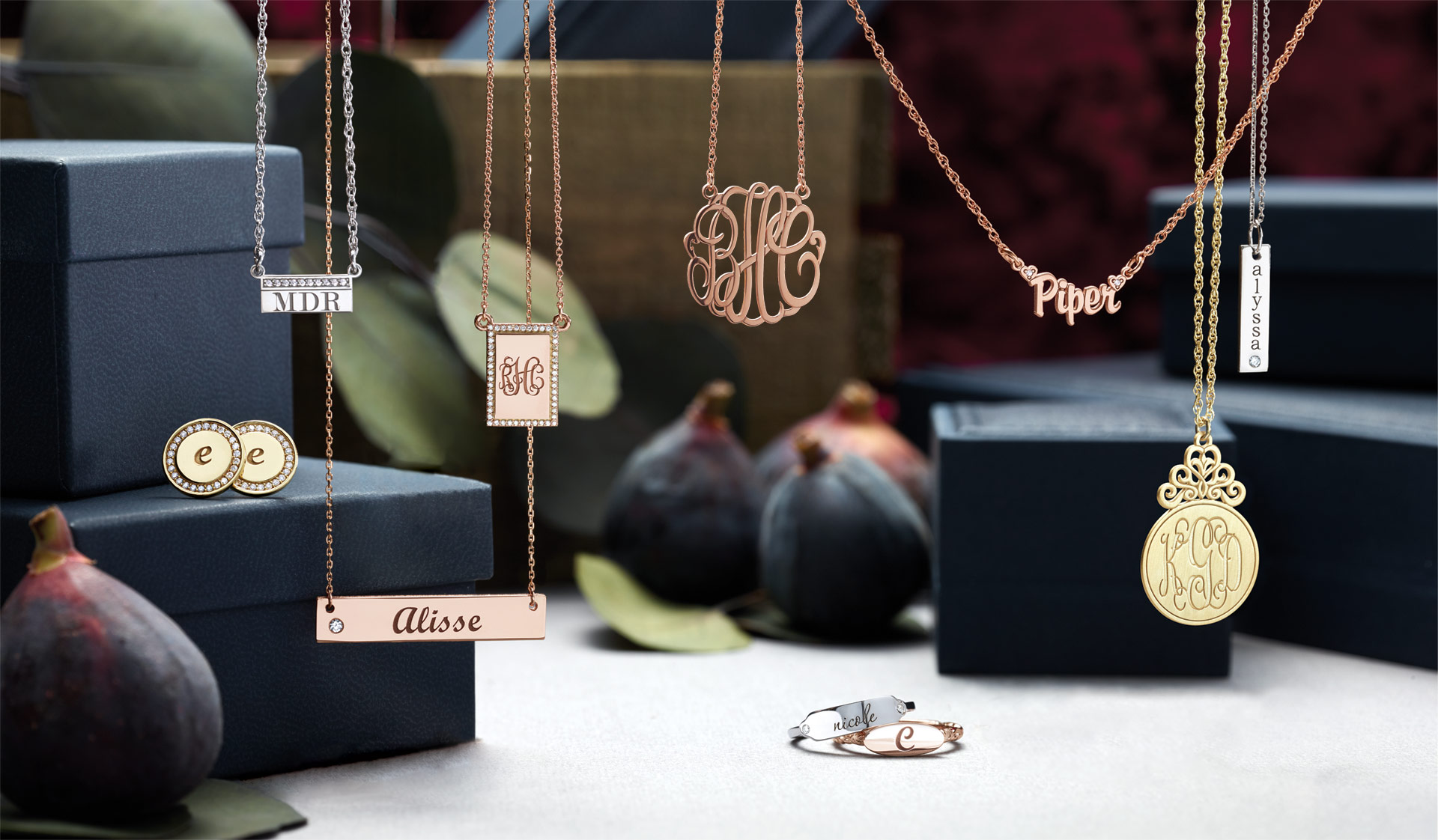 Personalized jewelry gifts for her