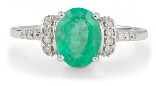 Oval Emerald Ring with Diamond Accents