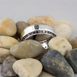 Modern Men's Band with Black Diamonds