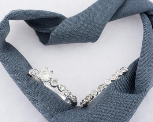 Diamond Wedding Set with Scalloped Edge - 3