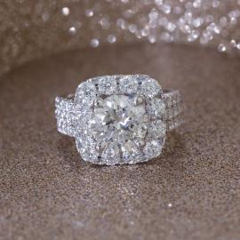 Round Brilliant Diamond Engagement Ring with Cushion Halo