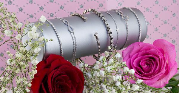 Bracelets Valentines Day jewelry gifts